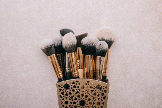 Mädelsschnack Make-up bei Akne